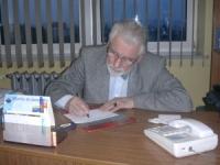 dr Kossowski w swoim gabinecie w szpitalu